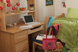 12 Tips for Organizing a Small College Dorm Room