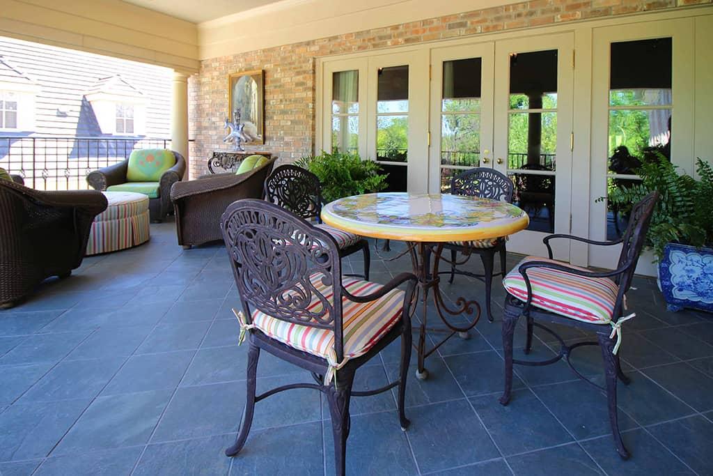 HPD Architecture Patio table set