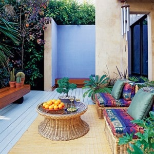 Creative Entertaining in Small Spaces